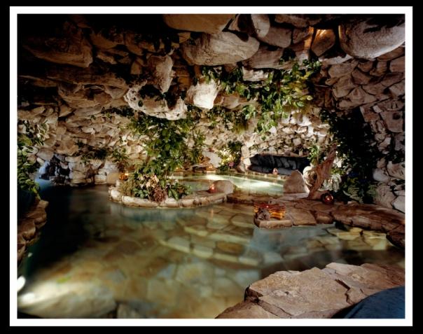 Fabuloasele piscine ale celor bogati si celebri imagini for Cat costa constructia unei piscine