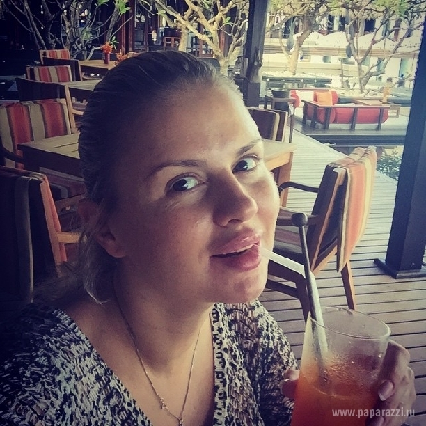 Anna Simenovici Fara Machiaj
