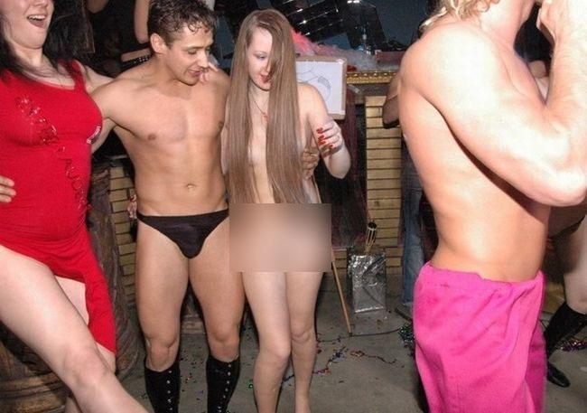 фото голые девушки в клубах