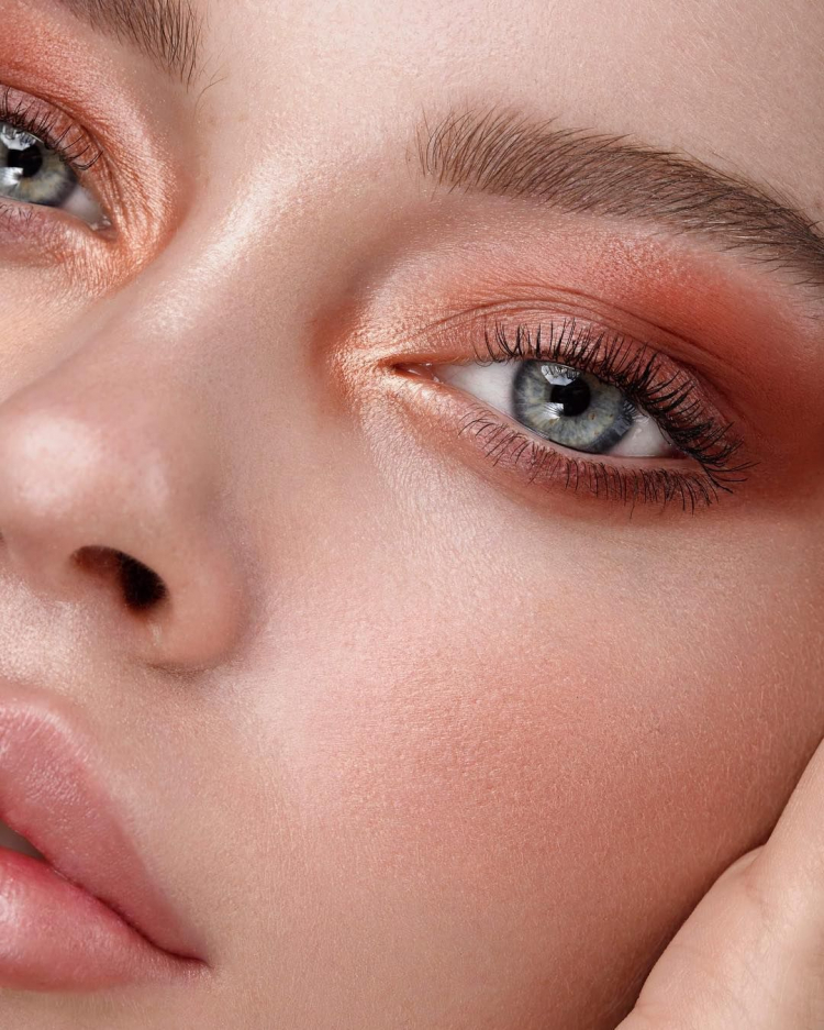 Machiaj Simplu Pentru Ochi Albastri Culori Care Ii Pun In Evidenta